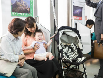 new_mother-and-baby-on-train